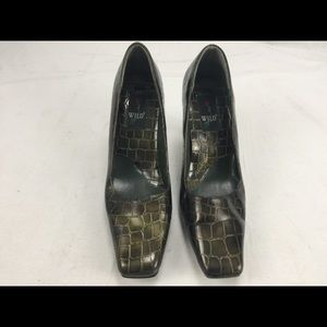"Wild rose alligator skin 3.5"" heels size 10"